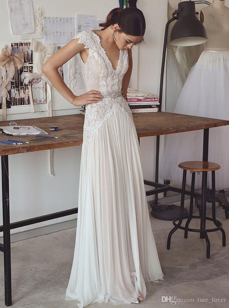 Discount Vintage Lace Beaded Wedding Dresses 2018 Simple A Line V Neckline V Bac…