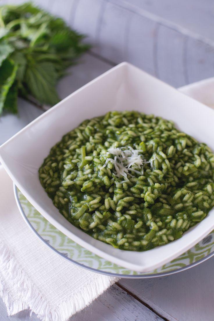 Potrà sembrarvi strano utilizzare una pianta selvatica per realizzare un primo piatto ma il #risotto alle #ortiche ha un gusto delicato e raffinato! ( #nettle risotto) #Giallozafferano #recipe #ricetta #rise #green