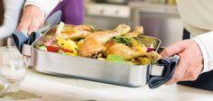 Gebratene Hühnerkeulen mit Ofengemüse, Rosmarin und Thymian