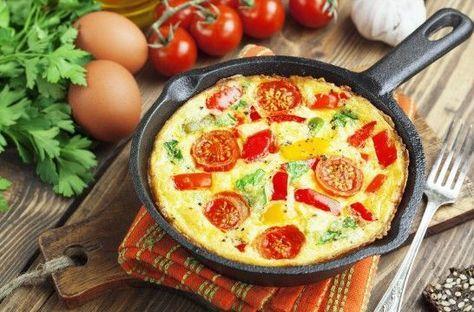 Cinco maneras de darle vida a una tortilla francesa | EROSKI CONSUMER. Ideas simples para dar más matices, sabor y textura a uno de los platos más rápidos y fáciles de hacer