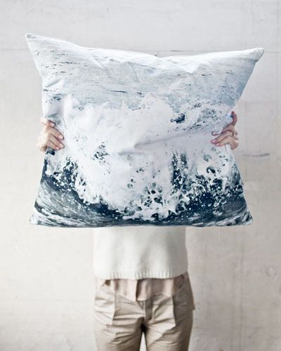 Get inspired by this awesome Dorte Agergaard pillow to make photographic pillows of your own!