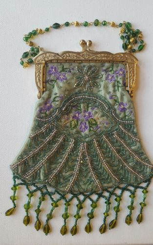 Antique-vintage-purse-beading-and-embroidery