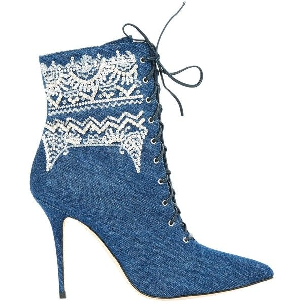 Pre-owned Manolo Blahnik Cloth Ankle Boots ($1,435) ❤ liked on Polyvore featuring shoes, boots, ankle booties, navy, bootie boots, ankle bootie boots, short boots, navy blue ankle boots and ankle boots