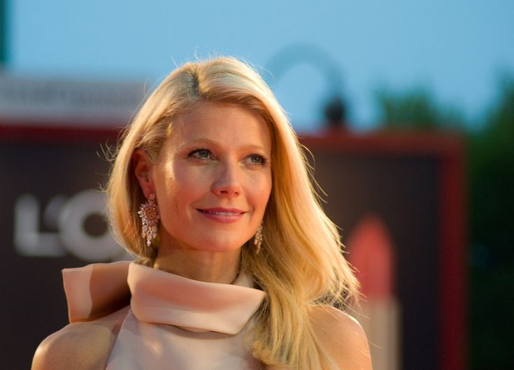 "Zany Celebrity Scrabble - Gwyneth gives us ""conscious uncoupling"""