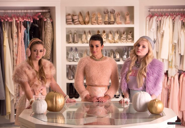 Chanel Oberlin's minions // Scream Queens