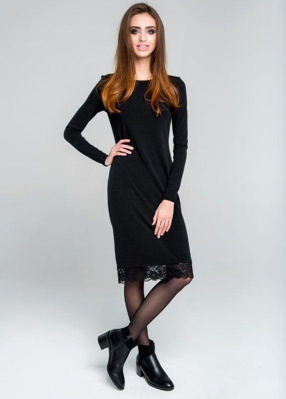 Платье с открытой спиной и кружевом из ангоры