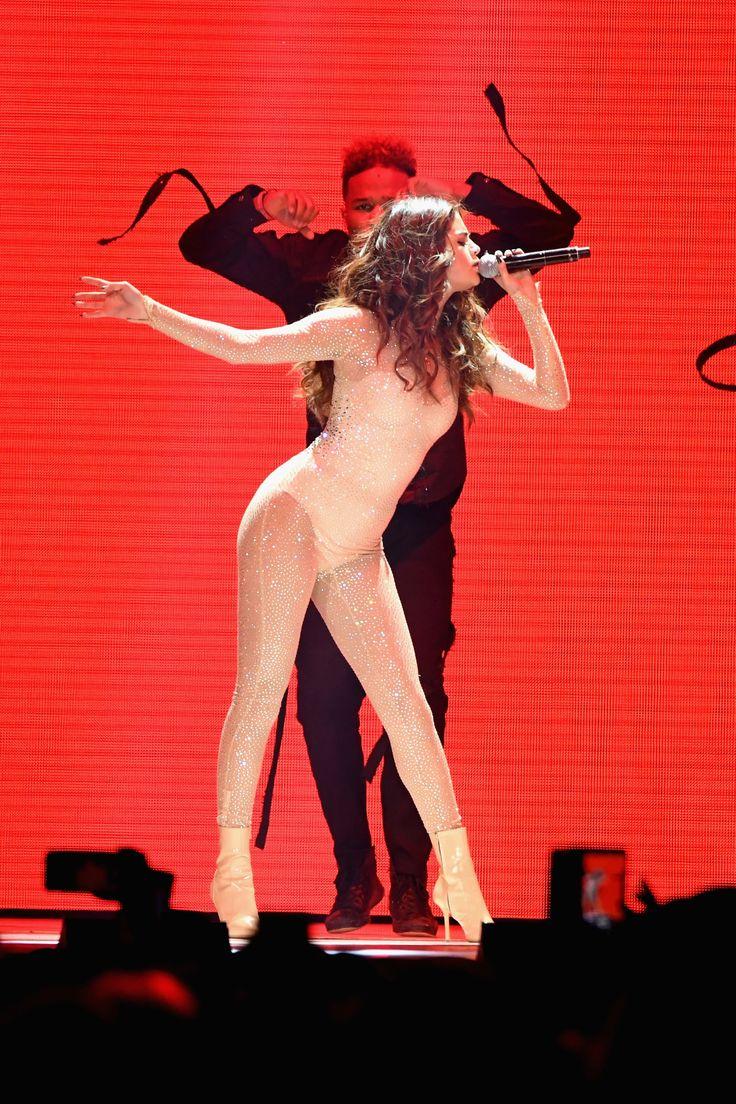 Sehen Sie jedes einzelne Kostüm von Selena Gomez 'Revival Tour
