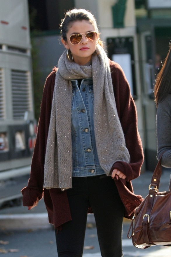 Selena Gomez Street Style Cute Winter Outfits