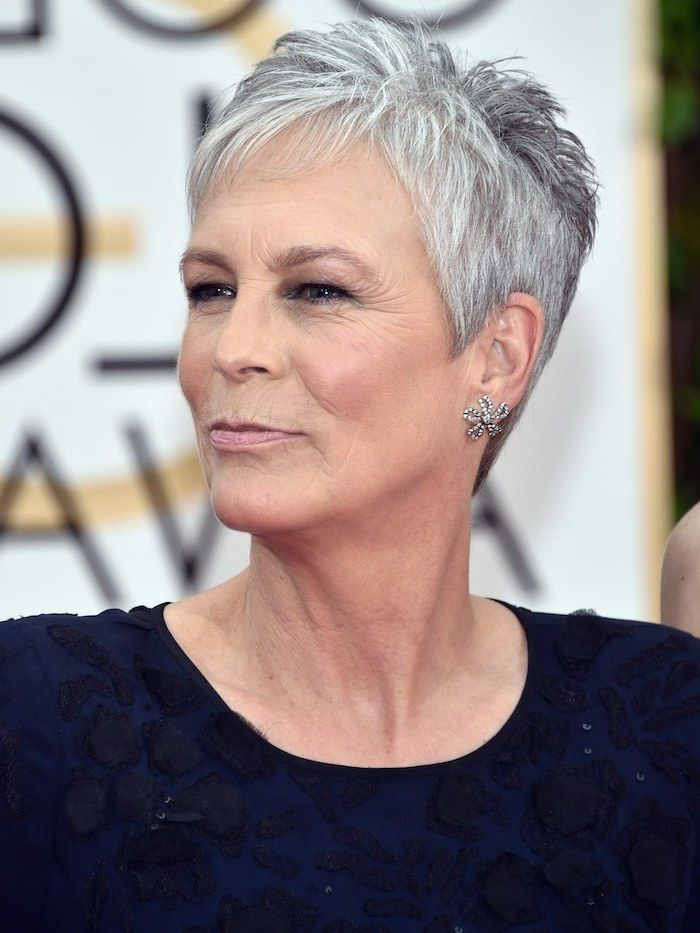 Jamie Lee Curtis Pixie Gut Silver Gray Hair Short To Mid Length Hairstyles Blue Dres Short Grey Hair Grey Hair Inspiration Short Hair Styles