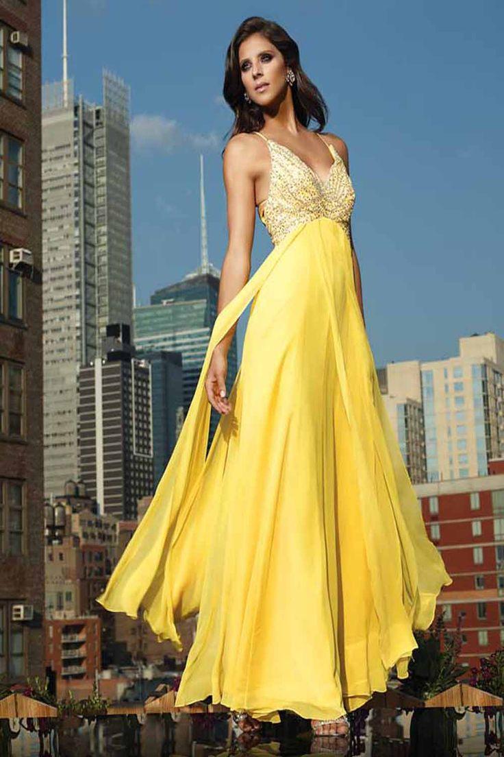 очень красивая девушка в желтом платье - 7