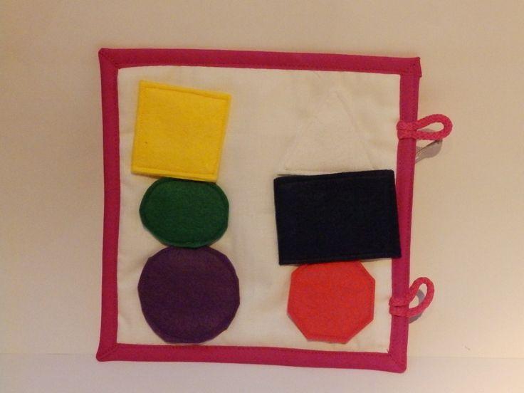 Quiet+book+tvary+II.+Velikost+karty+20x20cm.+Tato+karta+byla+ušita+na+přání+zákaznice,+do+této+knihy,+která+se+dá+postupně+doplňovat+(+pro+ty+očka)+Kartaje+ušita+z+bavlny+a+jednotlivé+dílyjsou+ušité+z+filcu.+Každá+karta+je+vypodložená+vatelínem+a+olemovaná+šikmým+pruhem.+Kniha+slouží+k+rozvoji+dětské+fantazie,+dovednosti,+logice.........+Vyberte+si+sami...