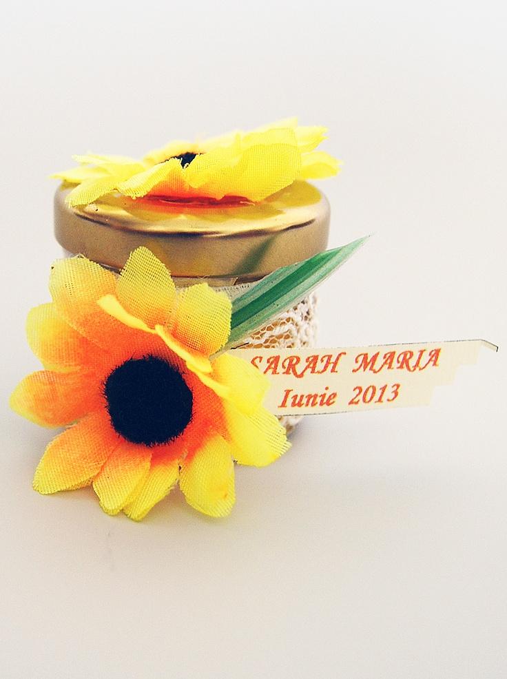 Marturie botez borcanel cu miere si decor floarea-soarelui