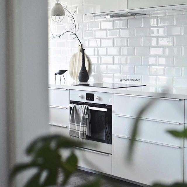 Drømmer om uprofilerte kjøkkenfronter! Kjøkken inspo fra flinke @marenbaxter 🌿