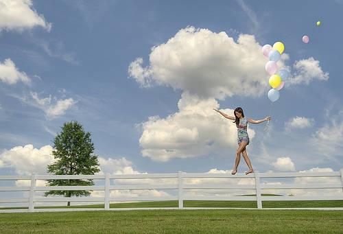 As vezes é preciso se aventurar fora do seu mundo para se encontrar. (Gossip Girl)  El mundo está en manos de aquellos que tienen el coraje de #soñar y de correr el riesgo de vivir sus sueños. www.twinshoes.es