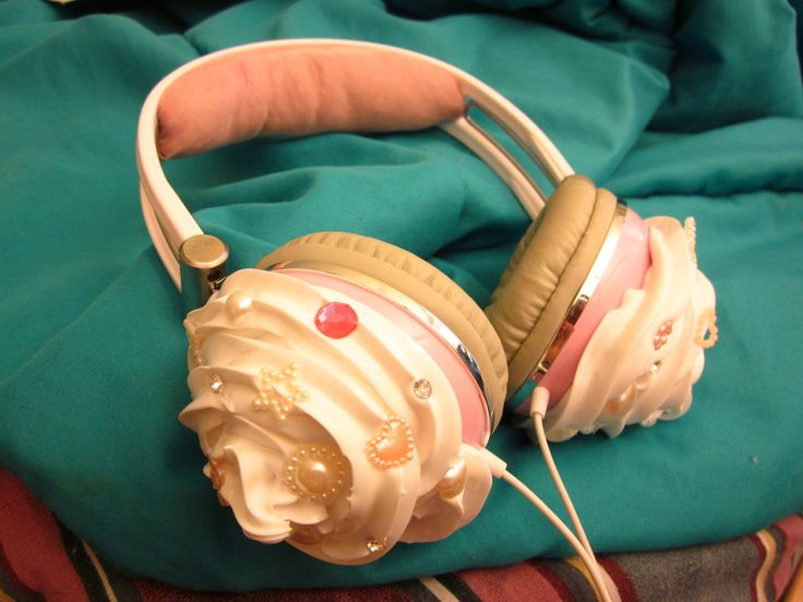 Cupcake headphones I made this past week custom for a customer. :3 I made the padded headband too. Source: shellkud.etsy.com