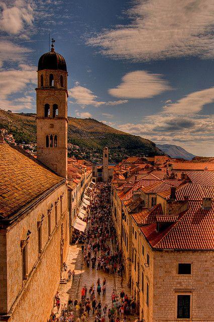 Weekend at Stradun - Dubrovnik, Croatia | by © Papafrezzo | via sevenseassailed