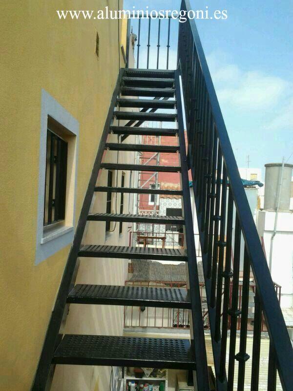 17 mejores ideas sobre escalera de hierro en pinterest for Escaleras de fierro