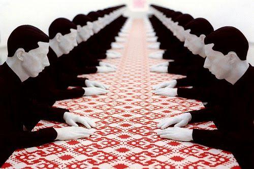 Katharina Fritsch - Tischgesellschaft' / Company at the Table – 1998