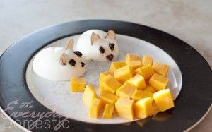 Toddler Snack Idea: Hungry Mice - Everyday Domestic - hahaha i just think this looks cute!