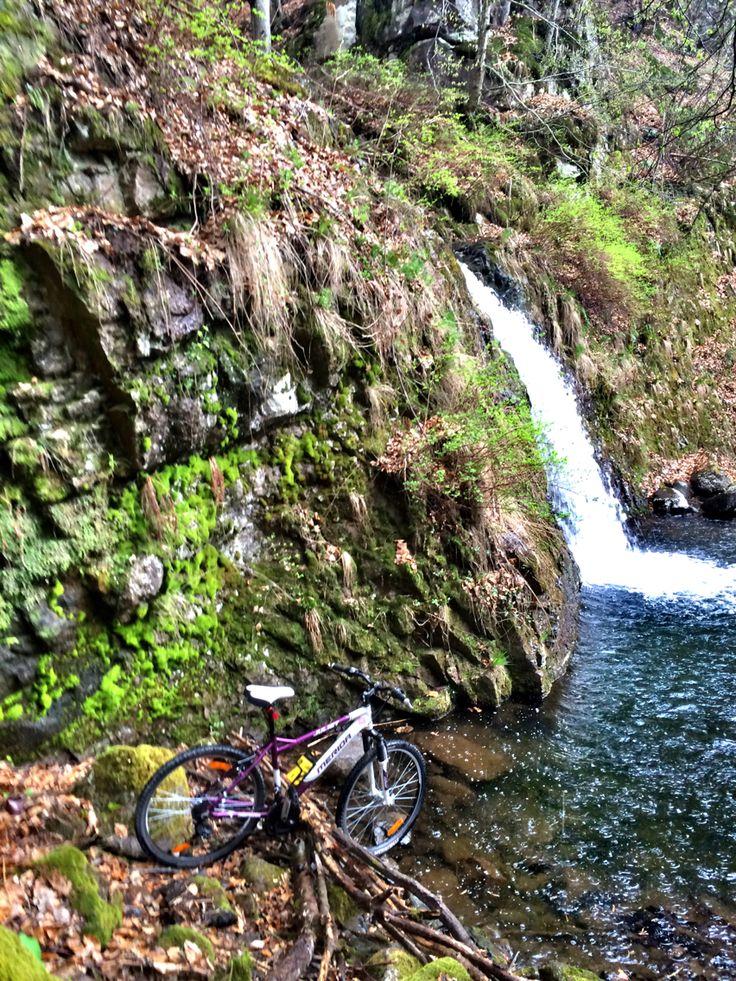 ⛈ mountain biking in the rain #waterfalls #mtb #mountainbiking #rain #storm #springfever #sports