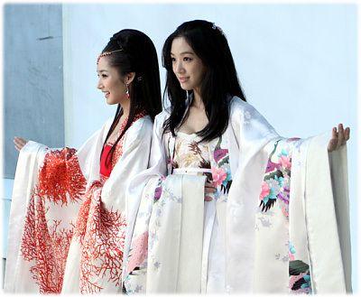Princess Ja Myung Go, Princess of Korea | #Kdrama 2009 with Park Min-young as Princess Ra-hee and Jung Ryeo-won as Princess Ja-myung in beautiful floral bird #hanbok