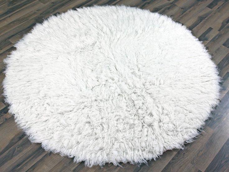 Round White Fluffy Rug