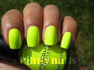 Nightly Nails: Sinful Colors Neon Melon HOT