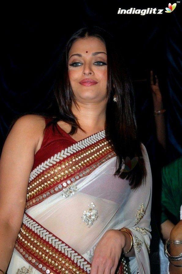 Everything Bollywood: Aishwarya Rai Wardrobe Malfunction