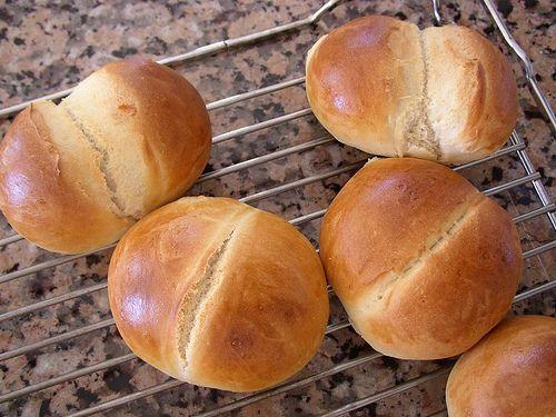 "Weggli Rezept... recipe for ""Weggli"", small Swiss bread rolls. My favourite!"