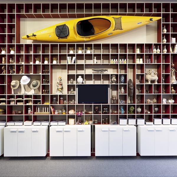 Kuoni flagshipstore amsterdam freiraum moderne for Interior design augsburg