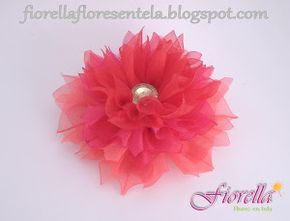 ¡Nos encantan los tutoriales para hacer flores! Hoy toca esta idea con cinta de organza. ¿Te lo apuntas?