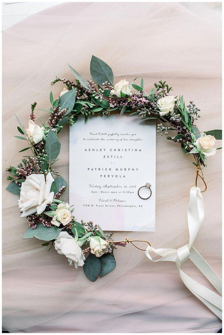 Blumenkrone Brautdetails Rustikale Braut Bohmische Braut Hochzeit In Philadelphia Hochzeit Accessoires Blumenkranz Hochzeit Braut Blumen Blumenstrauss Hochzeit