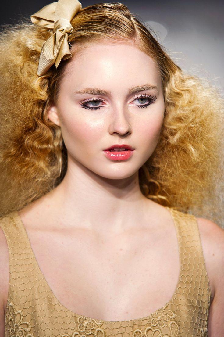 208 best colorations cheveux images on pinterest coloration cheveux d coloration des cheveux. Black Bedroom Furniture Sets. Home Design Ideas