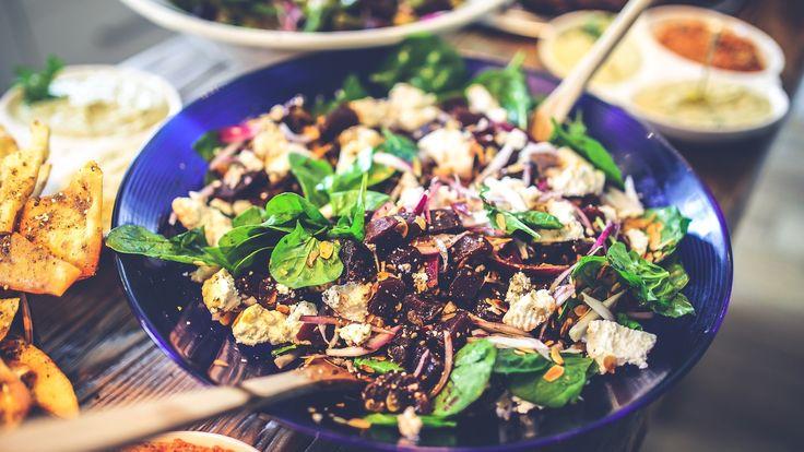 Dieta metaboliczna nie jest wyłącznie zachodnioeuropejskim trendem - to plan żywieniowy w pełni dostosowany do indywidualnego zapotrzebowania oraz typu przemiany materii każdego z nas. Na samym wstępie należy nadmienić, że dieta metaboliczna wymaga od nas wykonania tzn. Metabolic Typing, czyli typu przemiany materii. Zapraszamy was do lektury. Link: http://www.biotrendy.pl/odchudzanie/dieta-metaboliczna-na-czym-polega-jak-stosowac/ #odchudzanie #dieta #zdrowie #fitness #BioTrendy