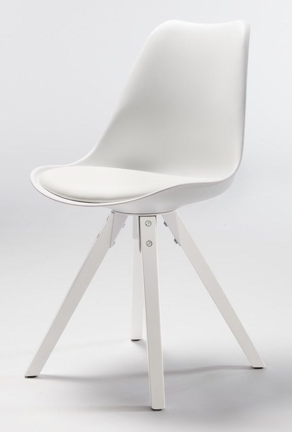 Dieser Weisse Retro Stuhl Ist Ein Echter Design Klassiker Holzstuhle Stuhle Weisse Stuhle