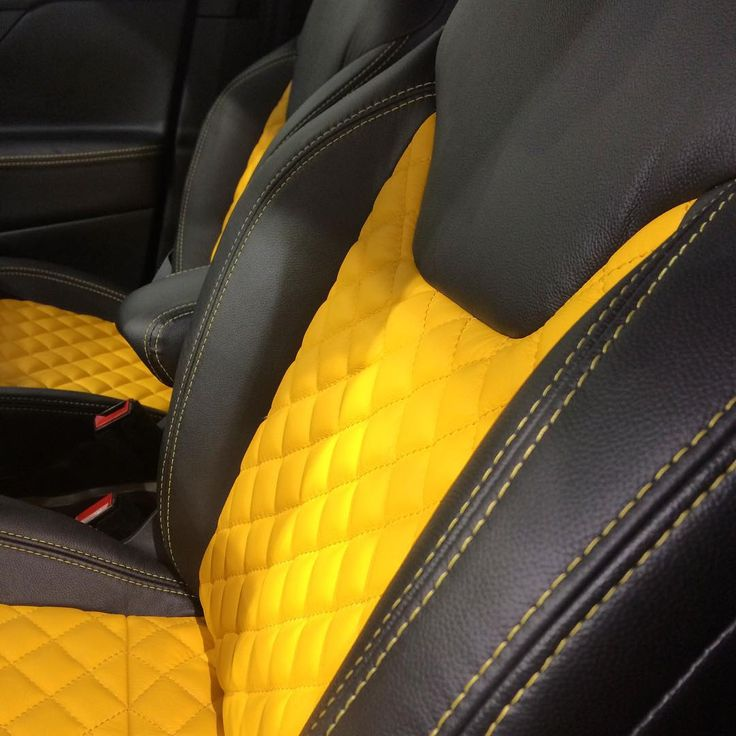 jeep renegade yellow and black interior seats diamond stitch