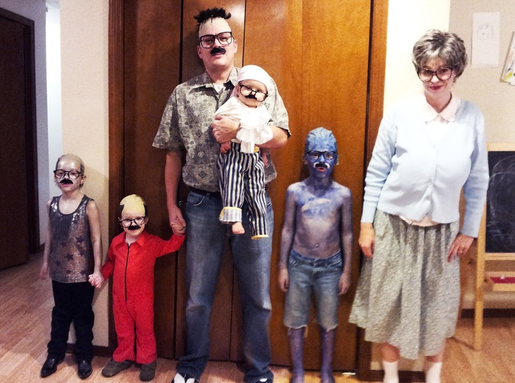 An ENTIRE family of Tobias Fünke. This family wins at life! @Cindy Kersey