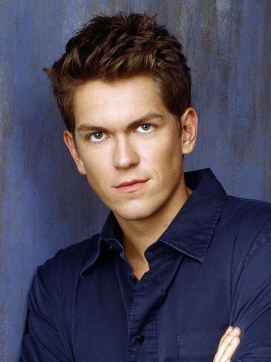 steve howey actor | Found on theamazingworldofgumball.wikia.com
