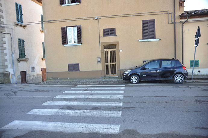Attraversamenti pedonali in via Redi ad Arezzo: istruzioni per l'uso