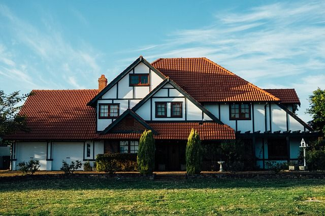 Your Home is Dated - Should You Sell It As Is   Home buyers are incredibly picky. They want all of the repairs completed and everything up to date. This usually means freshly landscaped lawns and gardens, https://hintsforsellinghome.blogspot.com/