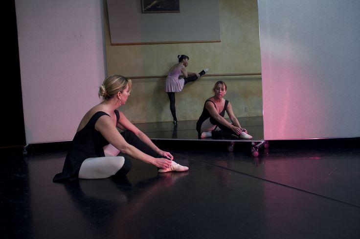 glassless mirrors alvasbfm dance ballet glassless mirror rolling