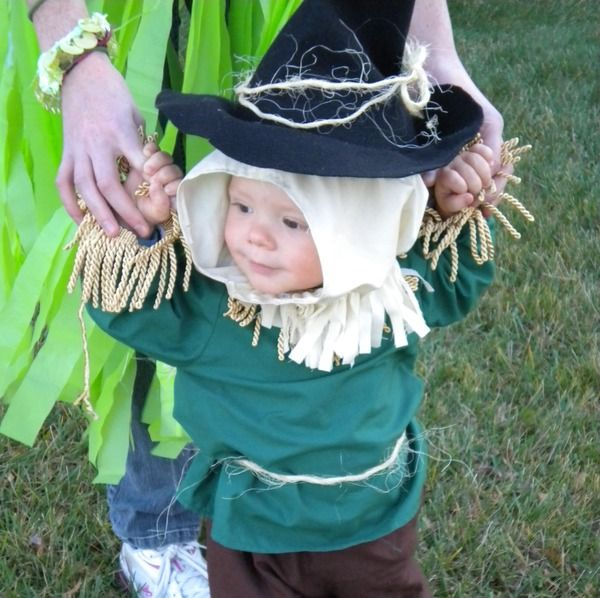 love this baby face - wizard of oz scarecrow baby costume