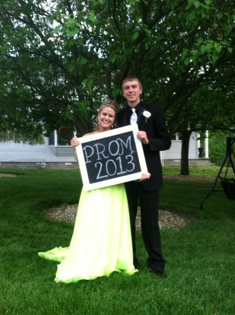 Prom picture idea! cute for any important event