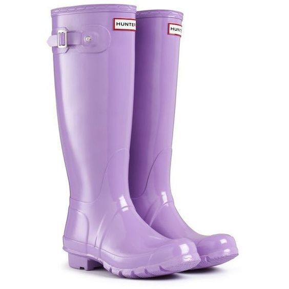 HUNTER ORIGINAL GLOSS TALL WISTERIA WELLINGTON BOOTS Welly PURPLE ❤ liked on Polyvore featuring shoes, boots, shine boots, hunter boots, shiny shoes, wellington boots and purple shoes