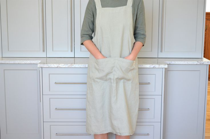 Adult 100% stonewashed French linen apron in Stone colour.