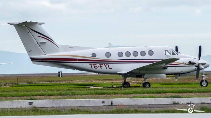 Beechcraft 200 Super King AirReg: TG-FYL Serial #: BB-1808Airline: PrivateLoc: Intl Airport La Aurora, Guatemala City