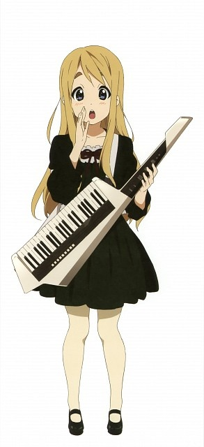 Mugi | K-ON! Now I know what my friend Arvid is going for wiht his keytar!