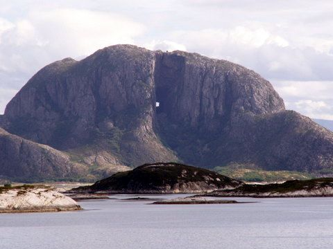 "Hiking through the ""hole"" inTorghatten Mountain near Brønnøysund, #Norway http://www.travelingwiththejones.com/2011/10/05/destination-discovery-torghatten-mountain-near-bronnoysund-norway/"