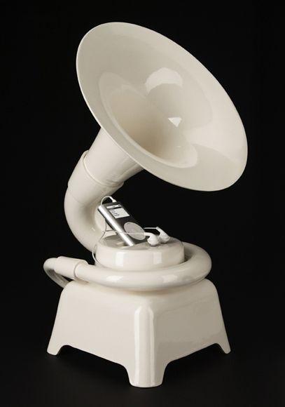 Si queremos huir de las formas tradicionales y queremos obtener una cierta calidad en el sonido podemos echarle un ojo a los altavoces cerámicos. Éstos, no tienen nada que envidiar a los actuales a…