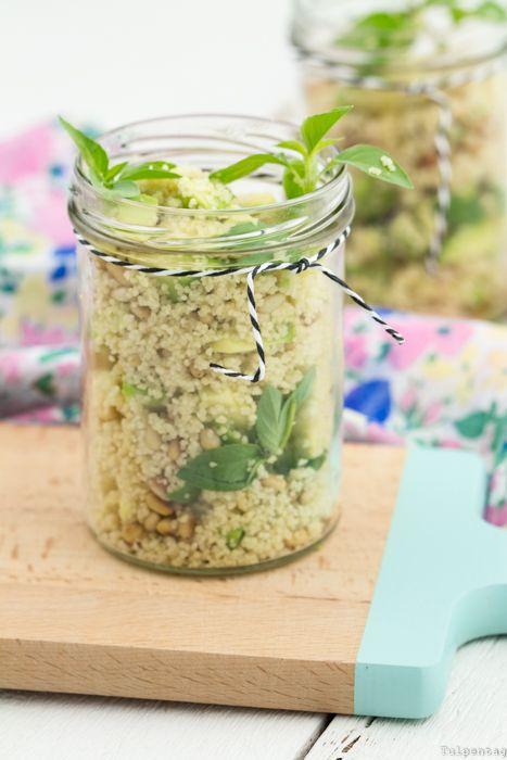 Couscous-Salat Couscous Rezept gesund Grillen Salat Avocado vegetarisch  @alinenathalieep
